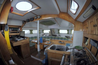 arbutus_sailboat_interior